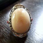แหวนงาขนาย ชิ้นใหญ่ ตัวเรือนเงิน 92.5 ประดับด้วยกัลปังหาแดง