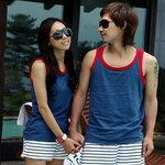 ชุดคู่รัก เสื้อคู่รักเกาหลี เสื้อผ้าแฟชั่น ชาย หญิง เสื้อกล้ามสีน้ำเงินขอบแดง + กางเกงขาสั้นลายขาวดำ +พร้อมส่ง+