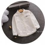เสื้อเชิ้ต สีขาว ลายตัวอักษร แพ็ค 4ชุด ไซส์ 100-110-120-130 (เหมาะสำหรับเด็กสูง 75-105 ซม.)