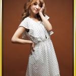 เสื้อผ้าแฟชั่นสไตส์เกาหลี  เดรสแซกแขนสั้น จั้มเอว ลายจุดสีขาว +พร้อมส่ง+