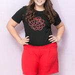 SET 2 ชิ้น เสื้อผ้าไซส์ใหญ่แขนสั้นผ้ายืดสีดำปักลายดอกไม้ + กางเกงขาสั้นสีแดง (4XL,5XL)