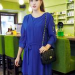 ชุดเดรสแขนสี่ส่วนผ้าชีฟองสีน้ำเงินจับจีบบาง ๆ หน้าหลังติดมุกและเพชรช่วงแขนมีเชือกผูกโบว์เอว (L, XL, 2XL)