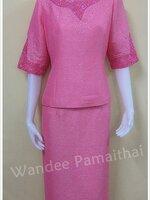 ชุดผ้าไหมญี่ปุ่นปักเลื่อม แต่งด้วยลูกไม้นอก แขน 3ส่วน สีชมพู เสื้อ+กระโปรงยาว เบอร์ 40