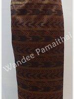 ผ้าถุงไหมสำเร็จรูป สีเม็ดมะขาม (ตะขอปรับเลื่อนได้) เอว 34-36 นิ้ว