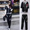 (พร้อมส่งค่ะ) ชุดเซ็ท sport sets เกาหลี เสื้อ มี hood แต่งด้วยซิบเก๋+กางเกงขายาว เอวจั้มแบบยางยืด – สีดำ (Size: L,M)