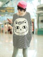 เดรสลายริ้วขาวดำ ตกแต่งตัดเย็บด้วยผ้าสีเบจพิมพ์ลายแมว น่ารัก